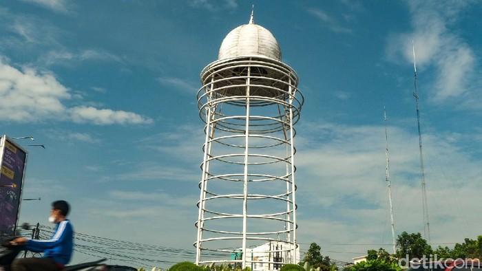 Viral Bangunan Tugu Pamulang Seperti Toren Air
